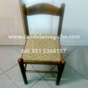sedia di paglia per rituale
