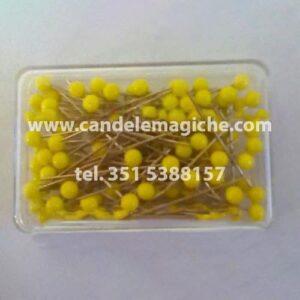 scatola di spilli con capocchia gialla