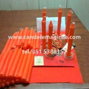 set di candele arancioni e accessori per il rituale della corona luciferiana