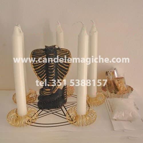 candela figurata del cobra e 5 candele bianche per rito di purificazione