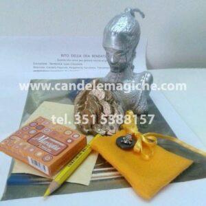 candela figurata della dea bendata ed accessori per il rituale