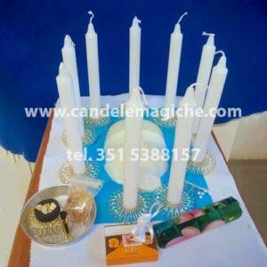 set di candele bianche per il rito del pensiero della mente