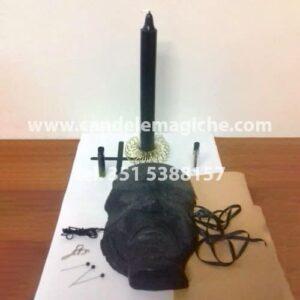 candela figurata del pensiero nero e candela cilindrica nera per il rituale del plagio mentale