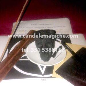 materiale per effettuare il rituale della candela del potere