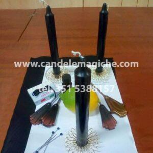 set di candele nere e accessori per il rituale del limone