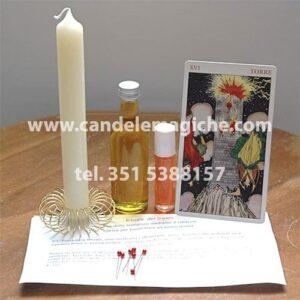 candela bianca, carta della torre e oli per il rito del sigaro