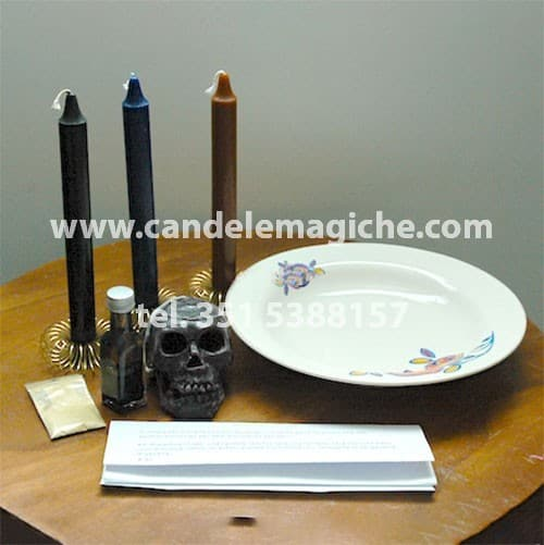 set di candele per il rituale dei cimiteri