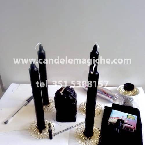set di candele nere per svolgere il rituale del muro nero
