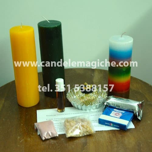 kit di candele e polveri magiche per svolgere il rituale per trovare lavoro