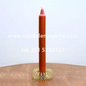 candela cilindrica di colore marrone