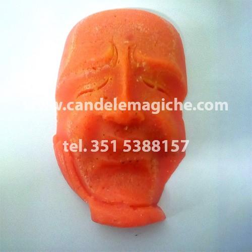 candela del pensiero di colore arancione
