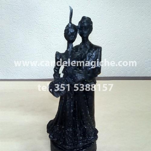 candela a forma di coppia di sposi di colore nero