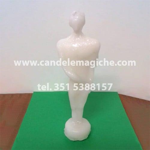 candela figurata della statuetta di uomo di colore bianco