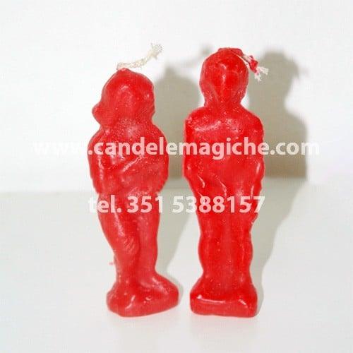 candele a forma di statuetta uomo e donna di colore rosso