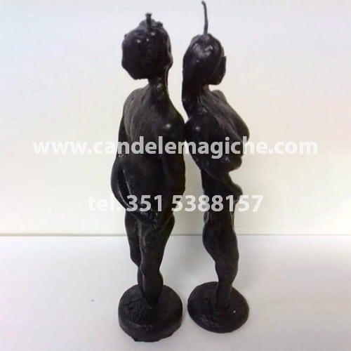 candela a forma di statuette lui e lei di colore nero