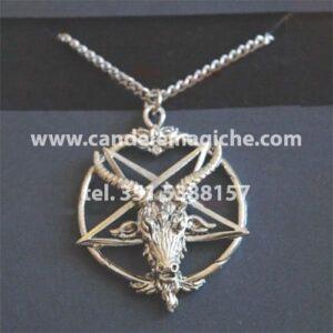 collana con medaglione di baphomet simboleggiante un caprone