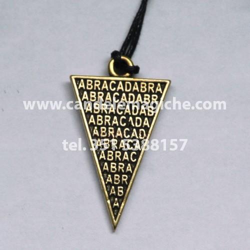 talismano magico abracadabra di forma triangolare
