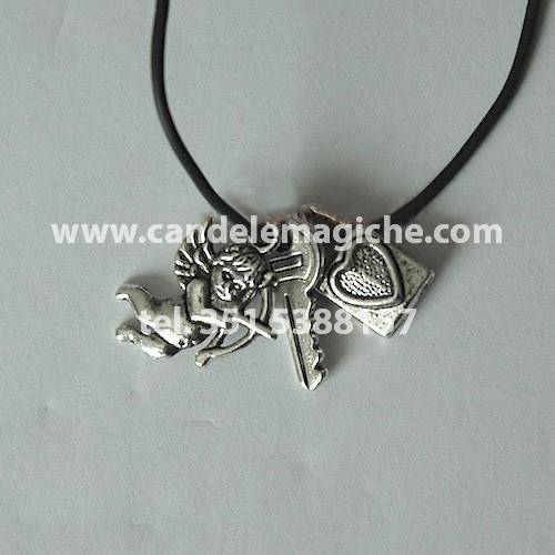 triplice talismano per amore con ciondoli a forma di chiave, lucchetto ed eros