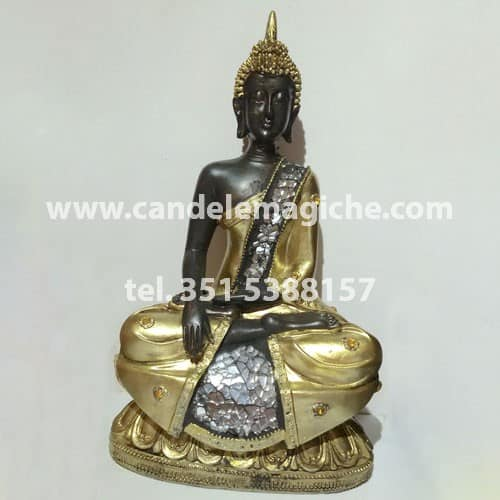 statua del buddha in oro e vetro a mosaico
